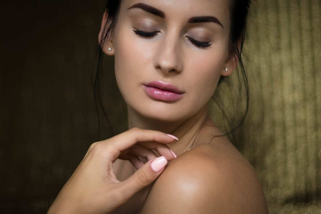 Skincare 101: The Best Methods to keep your skin young and glowing